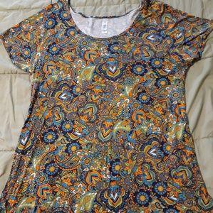 Multicolored Lularoe t shirt size large